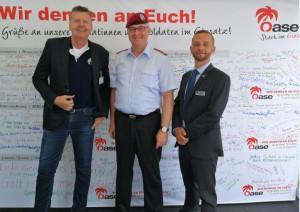General Eberhard Zorn, Generalinspekteur der Bundeswehr, gemeinsam mit EAS-Geschäftsführer Rolf Hartmann (l.) und KAS-Geschäftsführer Daniel Bock (r.). Foto: KAS/EAS.