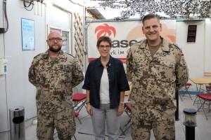 Bundesverteidigungsministerin Annegret Kramp-Karrenbauer zu Besuch bei der OASe-Einsatzbetreuung im Irakt. Foto: OASE-Einsatzbetreuung von KAS/EAS.